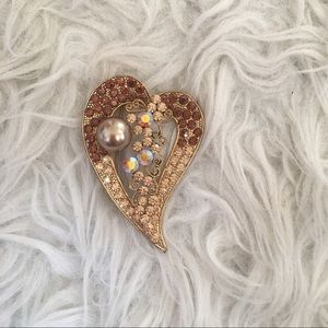 Jewelry - Gorgeous rhinestone brooch